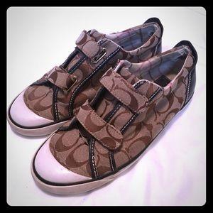 Vintage Coach Velcro signature sneakers 7.5